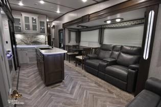 Astoria Platinum 2021